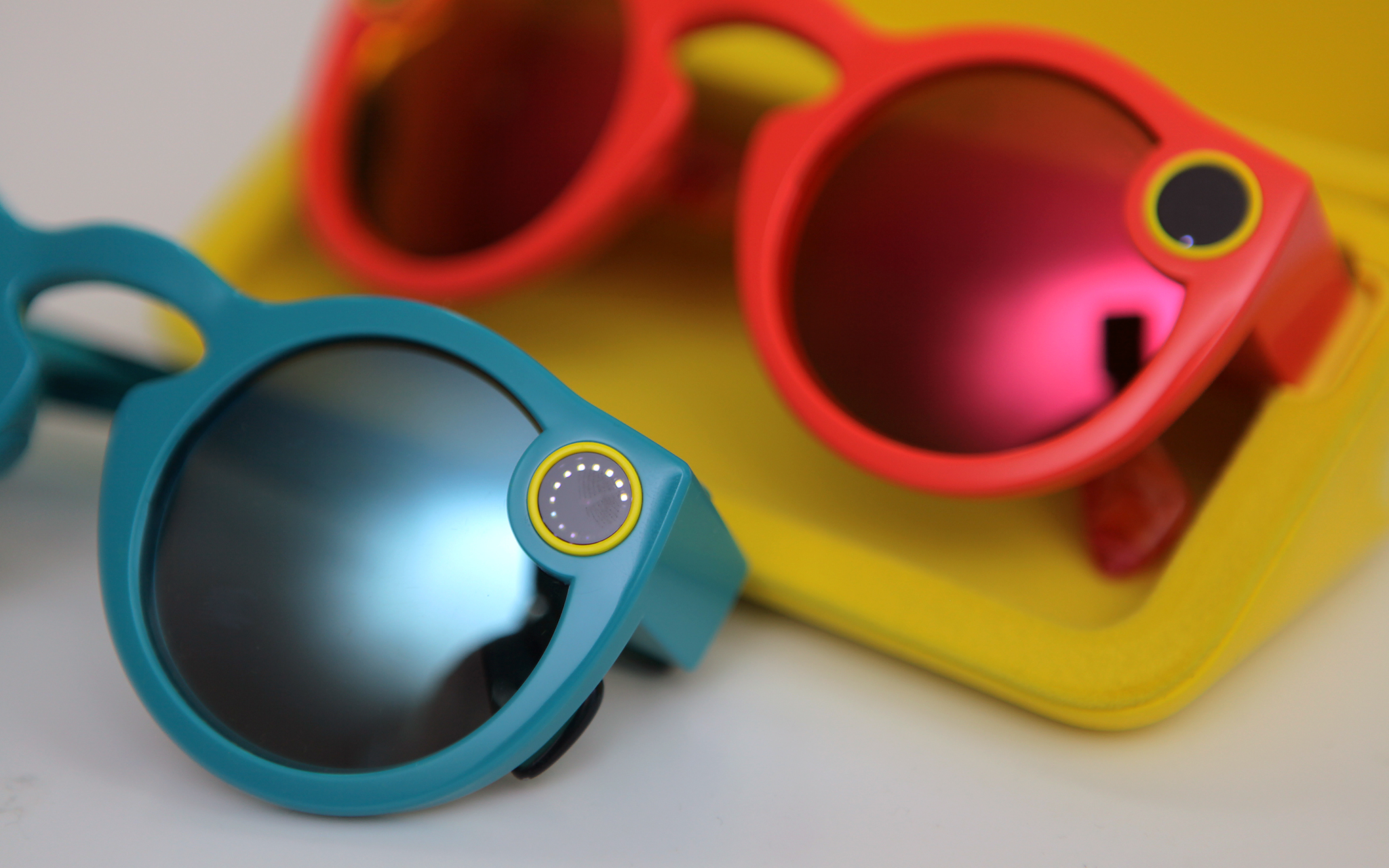 SNAPCHAT SPECTACLES JUST MIGHT BE CRAZY ENOUGH TO WORK